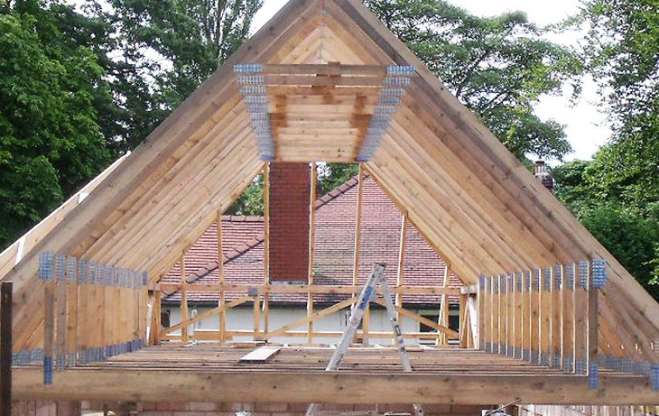 Mobile home roof trusses