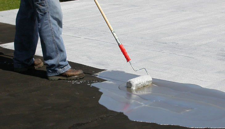 Applying aluminum roof coating