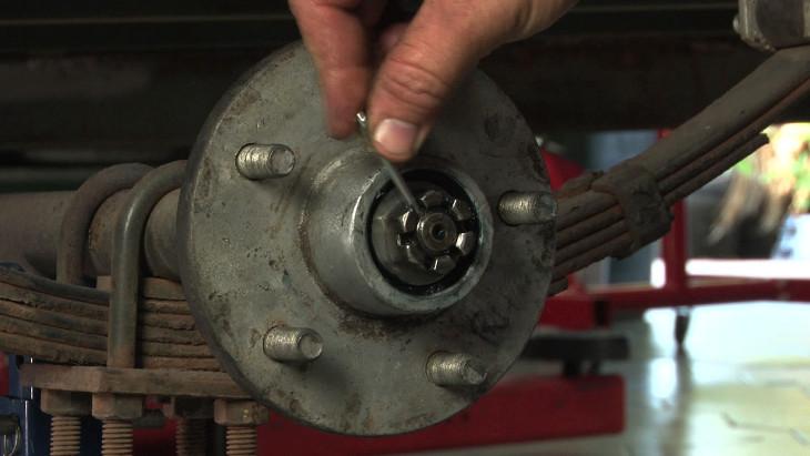 Fixing axle bearings