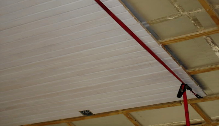 Installing ceiling panel