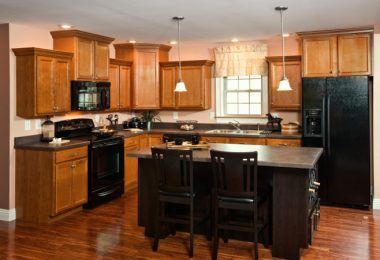 Maximizing mobile kitchen space