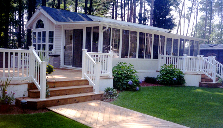 Mobile home with deck
