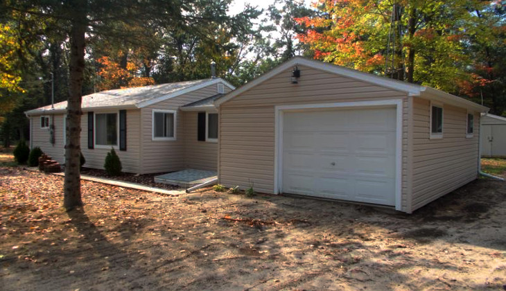 Mobile home with garage