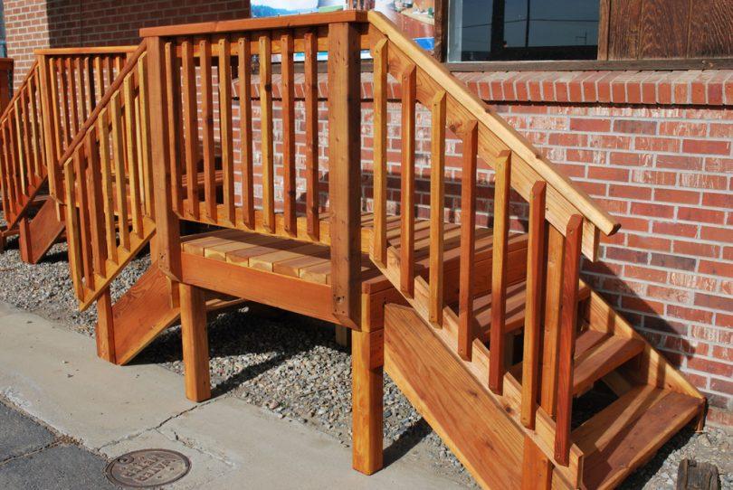 Prebuilt deck stairs