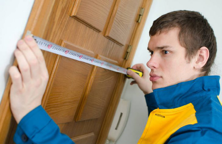 Taking door measurements