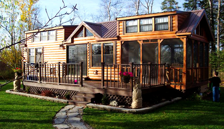 Tiny home with deck