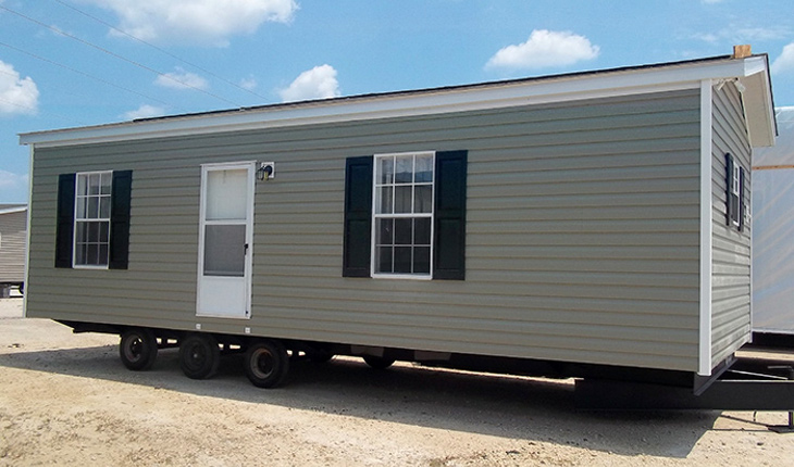 Transporting mobile home