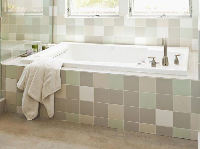 Basic alcove bathtub
