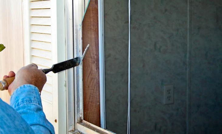 Contractor fixing window