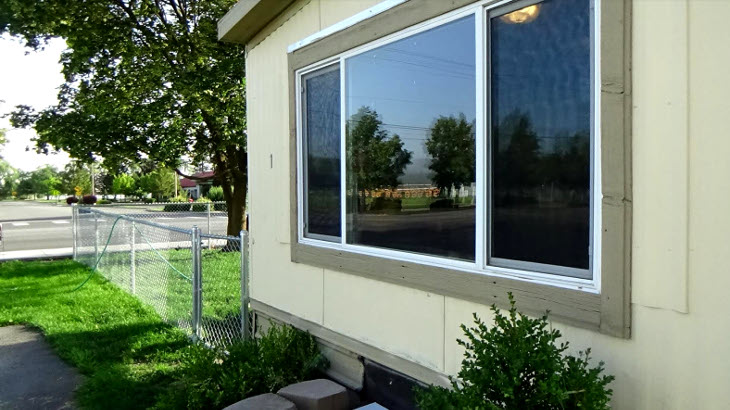 Mobile home with sliding windows