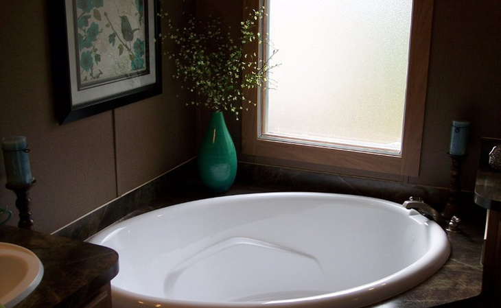 Small bathroom oval tub