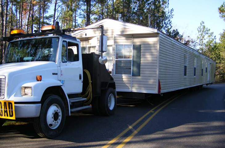 Transporting a mobile home