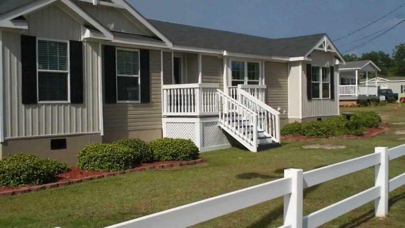 Triple wide home front porch