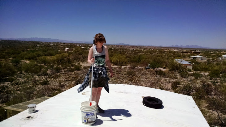 Coating roof with sealant