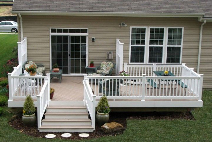 Front deck of mobile home
