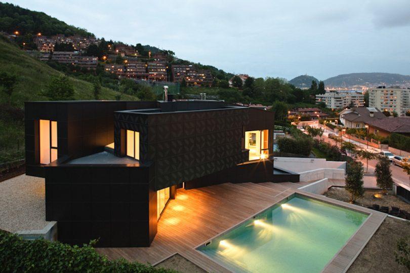 Modern modular q house