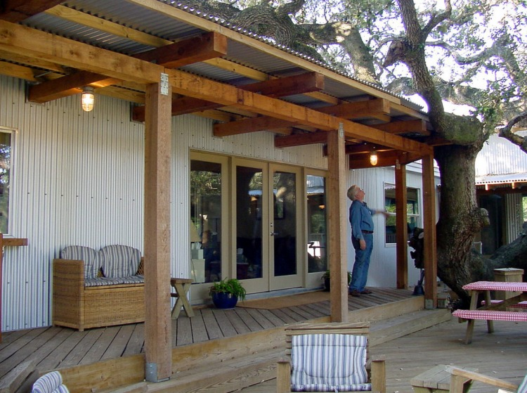 Modular home roof overhang