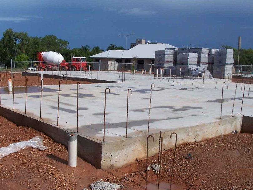 Surface pad foundation