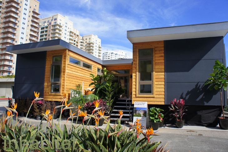 Affordable modular house by LivingHomes