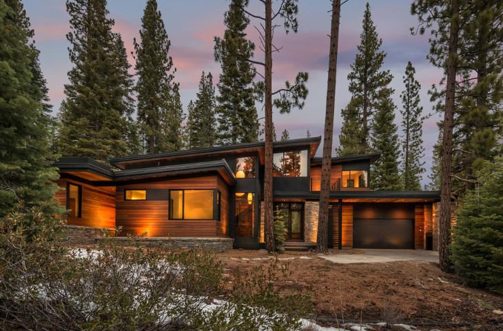 Customized off grid prefab house