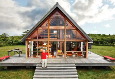 Off the grid prefab home