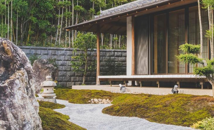 Japanese-inspired yard