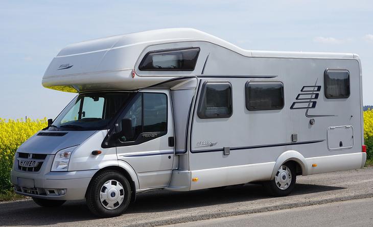 Luxurious mobile home van