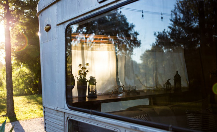 Mobile home camper window