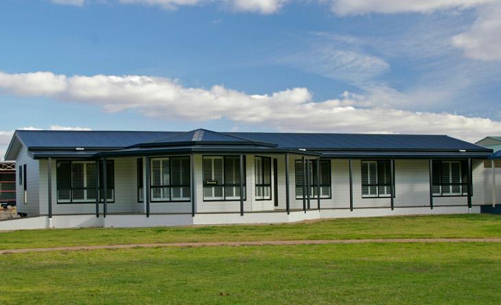 Modular house with multiple windows