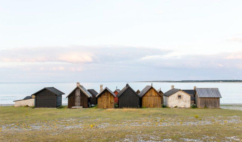 Modular log cabin homes